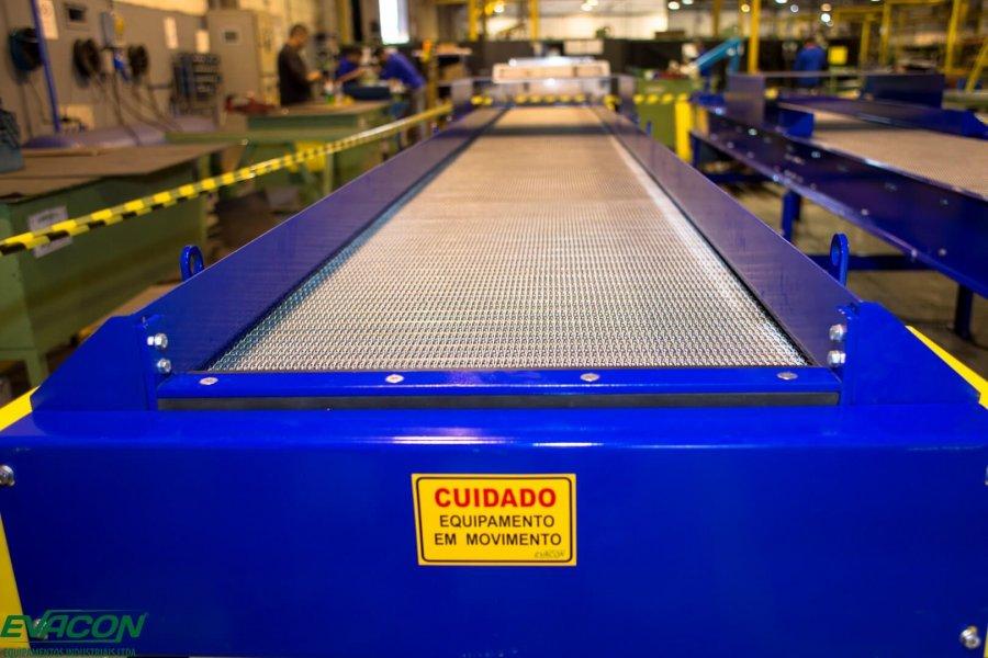 Equipamentos industriais para o setor de Projeto de esteiras transportadoras com telas metálicas para indústria automobilística