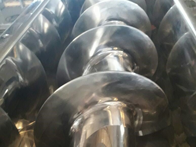 Equipamentos industriais para o setor de Projeto de roscas helicoidais tipo calha em Inox 316 para indústria alimentícia
