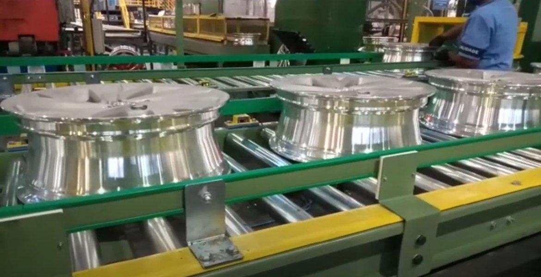 Equipamentos industriais para o setor de Solução TURN KEY em transportadores para uma das maiores indústrias de rodas automotivas do país.