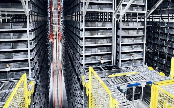 Equipamentos industriais para o setor de Intralogística 4.0